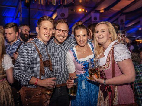 Beste Stimmung beim Hollager Oktoberfest 2019. Foto: Dominik Kluge für Wallenhorster.de
