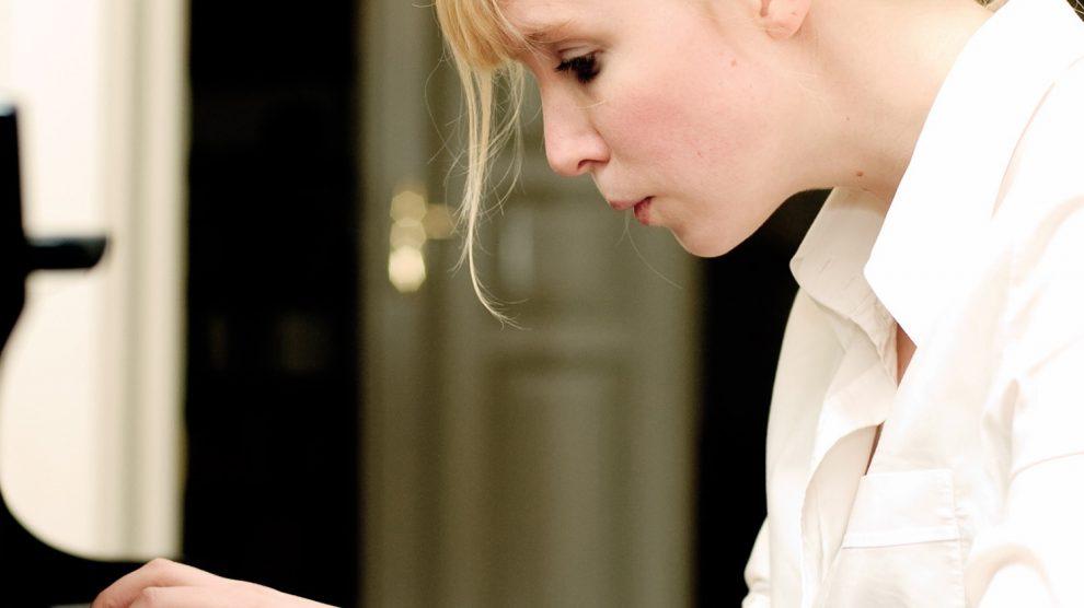 Das Ruller Haus begeht am Sonntag, 27. Oktober um 17 Uhr, sein diesjähriges Geburtstagskonzert mit einem Klavierabend: Die Pianistin Natalia Ehwald wird zum 15. Jahrestag Stücke von Beethoven, Schumann und Schubert spielen. Foto: Stephan Roehl