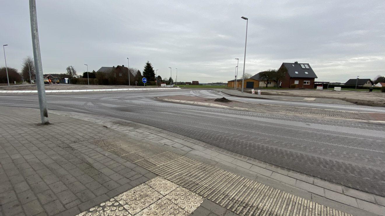 Der neue Kreisel in Hollage-Ost ist fertiggestellt worden. In Kürze erfolgt die Freigabe. Foto: Rothermundt / Wallenhorster.de