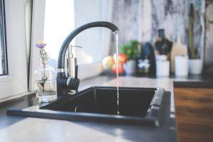 Vorübergehend weicheres Wasser in Hollage und Pye: Tiefsammelbehälter Talstraße bis März außer Betrieb. Symbolfoto:Karolina Grabowska / Pixabay