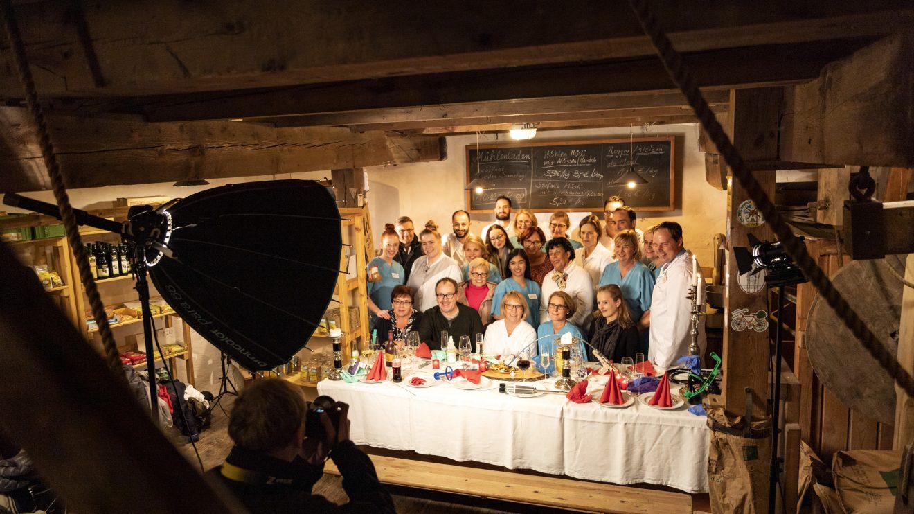 Das Ärzte- und Pflegeteam präsentiert sich auf 22 Fotografien mit ungewohnten Inneneinsichten. Foto: Clean Fotostudio Wallenhorst