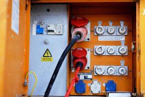 Ein Stromkasten wurde in Wallenhorst aufgebrochen, ein Starkstromkabel gestohlen. Symbolfoto: Couleur auf Pixabay