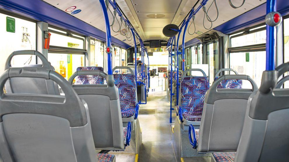 Der Landkreis Osnabrück prüft, ob weitere Busse für die Schülerbeförderung eingesetzt werden müssen. Symbolfoto: Mario Venzlaff / Pixabay
