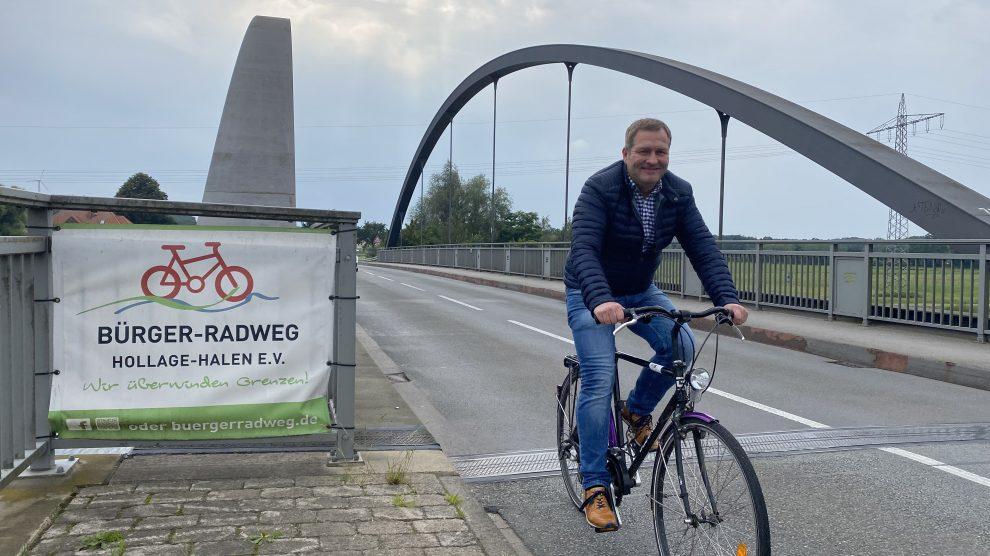 Der Hollager SPD-Landtagsabgeordnete Guido Pott ist erfreut über die gute Nachricht aus Hannover für den Bürgerradweg Hollage-Halen. Foto: Büro Guido Pott