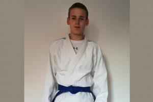 Judoka Joel Sauerwald hat seine Prüfung zum blauen Gürtel bestanden. Foto: Blau-Weiss Hollage/privat