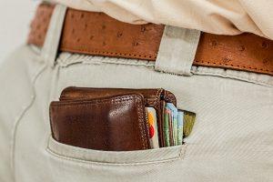 Vorsicht! Taschendiebe treiben sich aktuell vermehrt in und vor Supermärkten in Stadt und Landkreis Osnabrück herum. Symbolfoto: Steve Buissinne / Pixabay