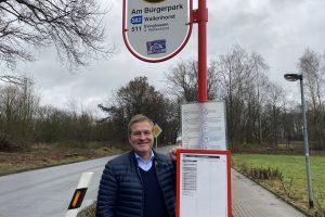 """Der Wallenhorster Landtagsabgeordnete Guido Pott freut sich über die Landesmittel für die Haltestelle """"Am Bürgerpark"""". Foto: Büro Guido Pott"""