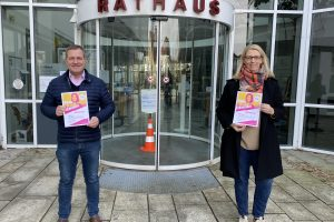 Zum Abschluss des Mentoring Programms erhielten Bärbel Börger und Guido Pott von der Niedersächsischen Sozialministerin ein Zertifikat für die erfolgreiche Teilnahme. Foto: SPD Wallenhorst