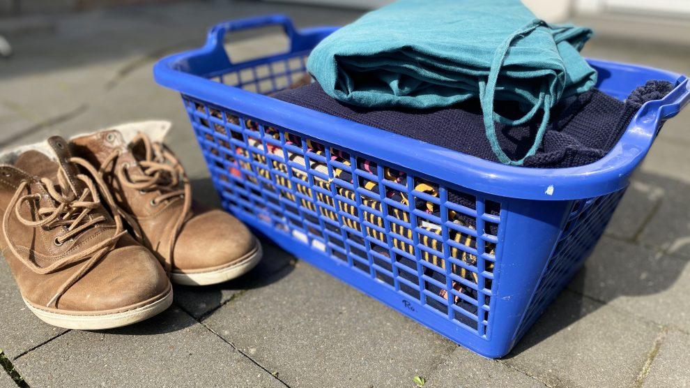 Am Samstag (17. April) ist es wieder soweit: die Kolpingsfamilie Hollage sammelt ausgediente Kleidung. Foto: Rothermundt / Wallenhorster.de