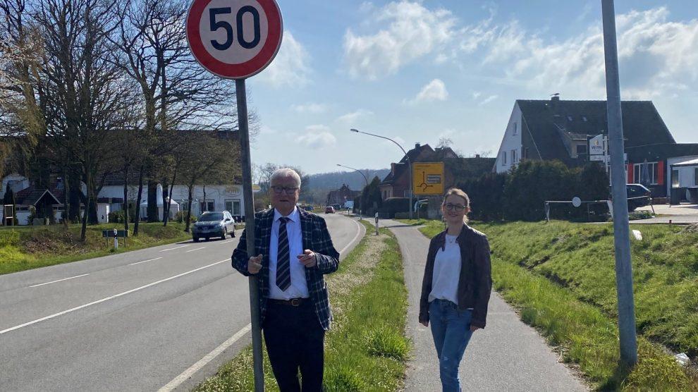"""Die CDU Wallenhorst fordert Tempo """"50"""" in Rulle auf der L 109. Foto: Sara Tausch"""