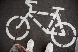 """Landkreis und Stadt Osnabrück legen eine vielbeachtete Kampagne neu auf: Wie schon im vergangenen Jahr können sich Schülerinnen und Schüler an dem Wettbewerb """"Bike to school"""" beteiligen. Symbolfoto:Tima Miroshnichenko / Pexels"""