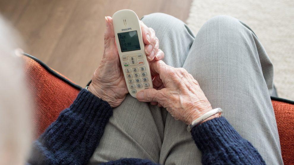 Es kam erneut zu zahlreichen betrügerischen Anrufen in der Region Osnabrück. Die Polizei mahnt zur Vorsicht, gerade bei älteren Personen. Symbolfoto: Sabine van Erp / Pixabay