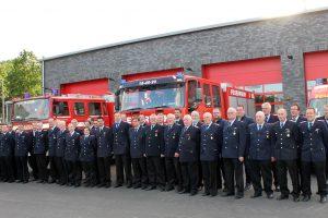 Mannschaftsfoto vor dem frisch eingeweihten Feuerwehrhaus im Anschluss an die Jahreshauptversammlung 2021. Foto: Feuerwehr Rulle