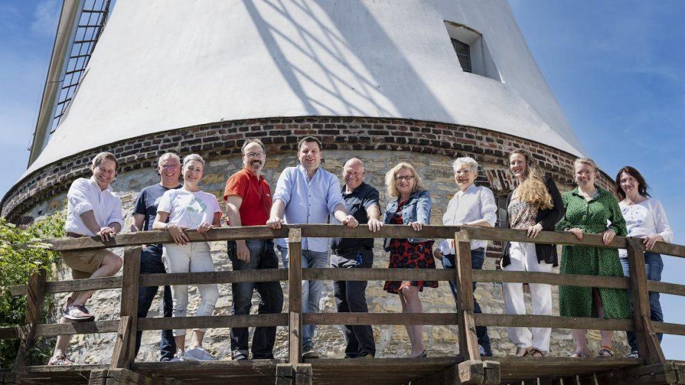 Bündnis 90 / Die Grünen Ortsverband Wallenhorst haben ihre elf Kandidat*innen für die Wahl zum Gemeinderat am 12. September 2021 aufgestellt. Fotomontage: clean Fotostudio