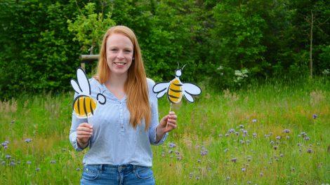 """Mona Berstermann, Regionalmanagerin der ILE-Region """"Hufeisen"""". Sie hat das Projekt """"Mach's einfach bunt! Gartenparadiese für Biene & Co."""" initiiert. Foto: pro-t-in GmbH"""