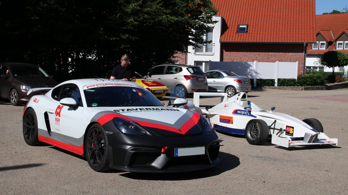Eindrücke vom Sport- und Rennwagentreffen beim Hotel Lingemann in Rulle. Foto: Marc Dallmöller/MD-Foto