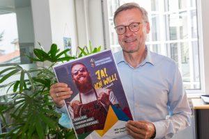 Bürgermeister Otto Steinkamp wirbt für die Impfung gegen das Coronavirus. Foto: André Thöle / Gemeinde Wallenhorst